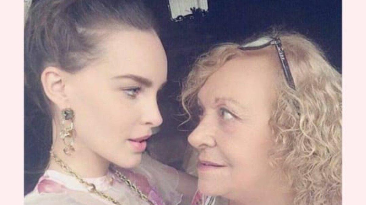 Belinda y su abuelita.jpg