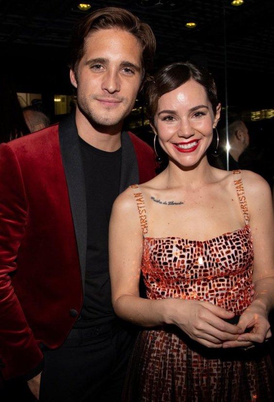 Camila Sodi con Diego Boneta.jpg