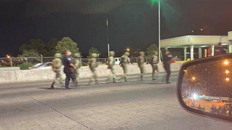 Detienen militares mex cruzar fronteraEU (1).jpg