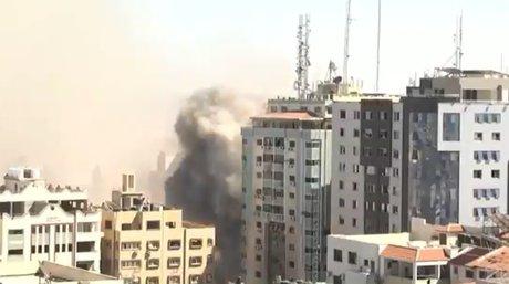Edificio medioscom Franja de Gaza.jpg