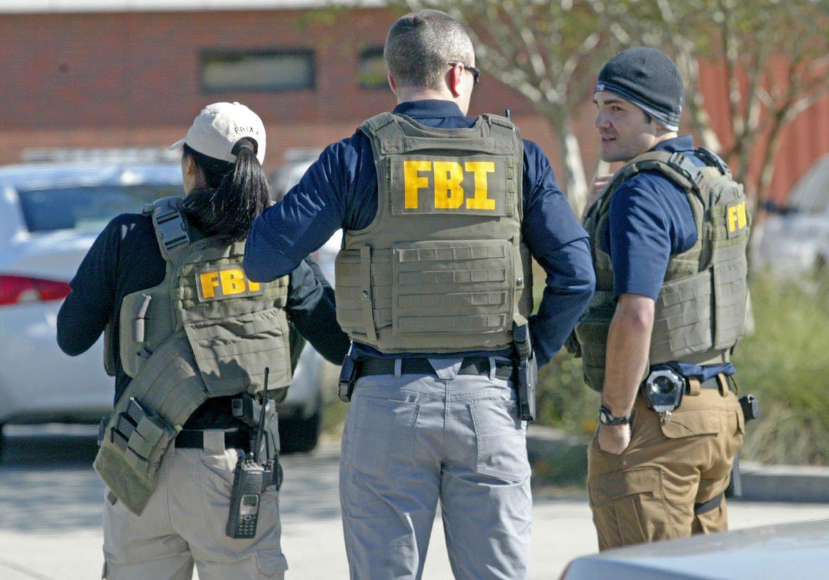 FBI-Colaborara-Con-PGR-En-La-Investigaci%C3%B3n-Sobre-El-Presunto-Espionaje-A-Periodistas..jpg