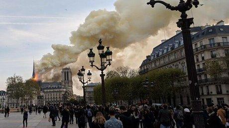 Incendio-catedral-Notre-Dame_EDIIMA20190415_0766_19.jpg