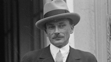 Lucien_Lelong_in_1925.tif (1).jpg