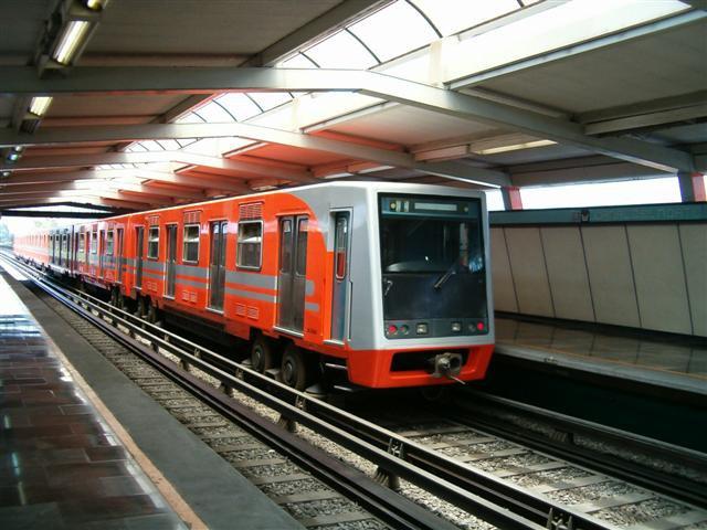 Metro_Canal_Del_Norte_01.jpg