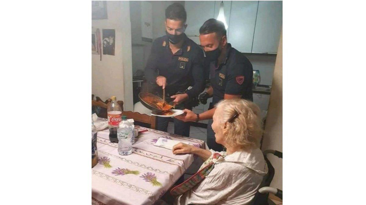 Policías cena viejita.jpg