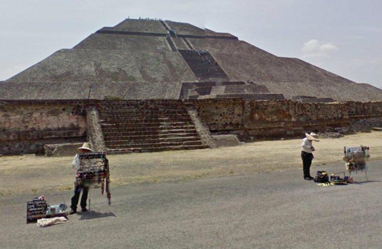 TeotihuacanStreet.jpg