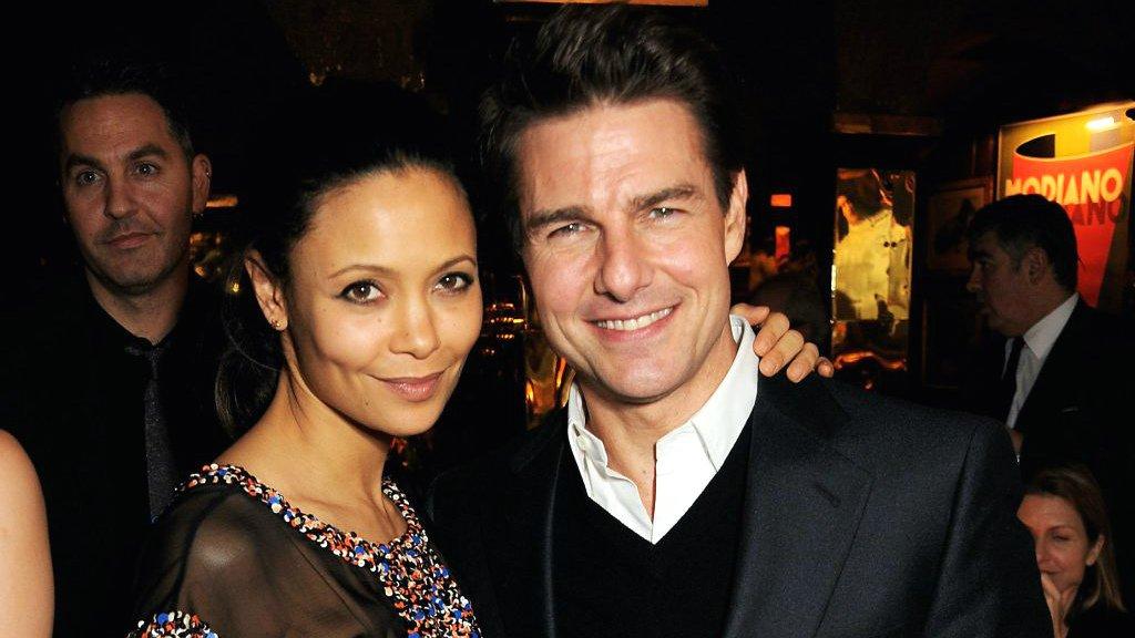 Thandie-Newton-and-Tom-Cruise.jpg