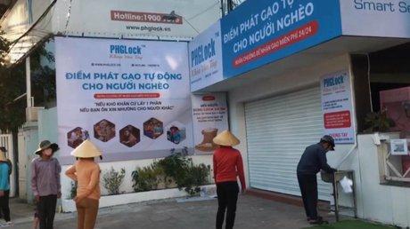 VietnamCajerosArroz.jpg