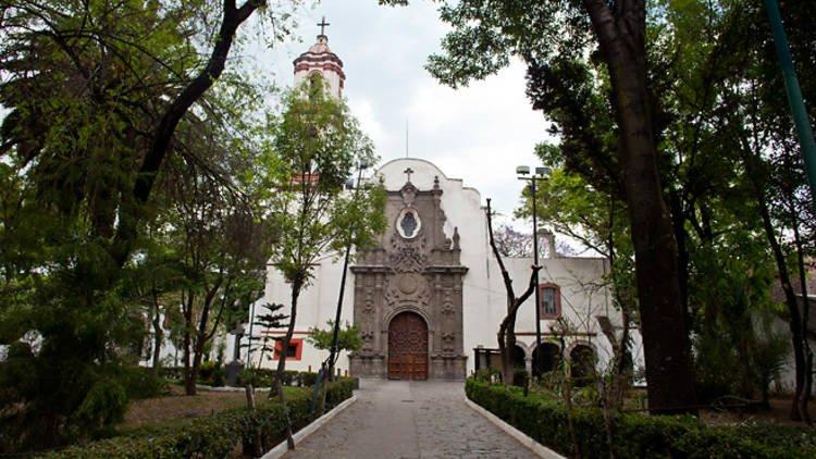 _parroquia de los Santos Apóstoles.jpg