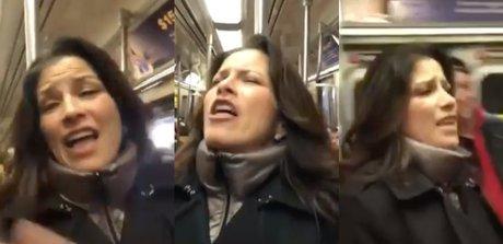 alessandra-rosaldo-en-el-metro-de-ny.jpg