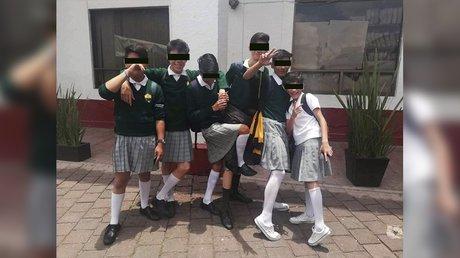 alumnos con falda en la cdmx.jpg