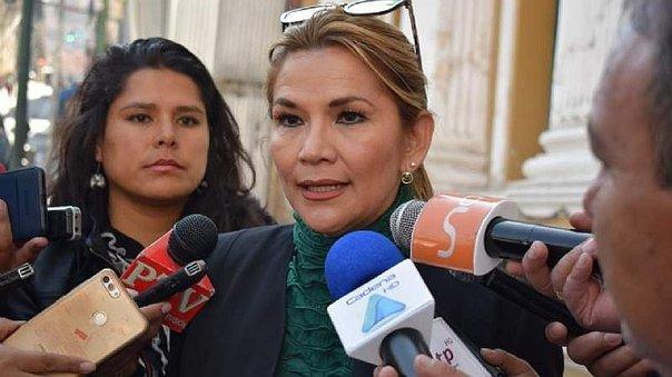 bolivia-la-senadora-opositora-jeanine-anez-asegur-922413-588959-jpg_604x0.jpg