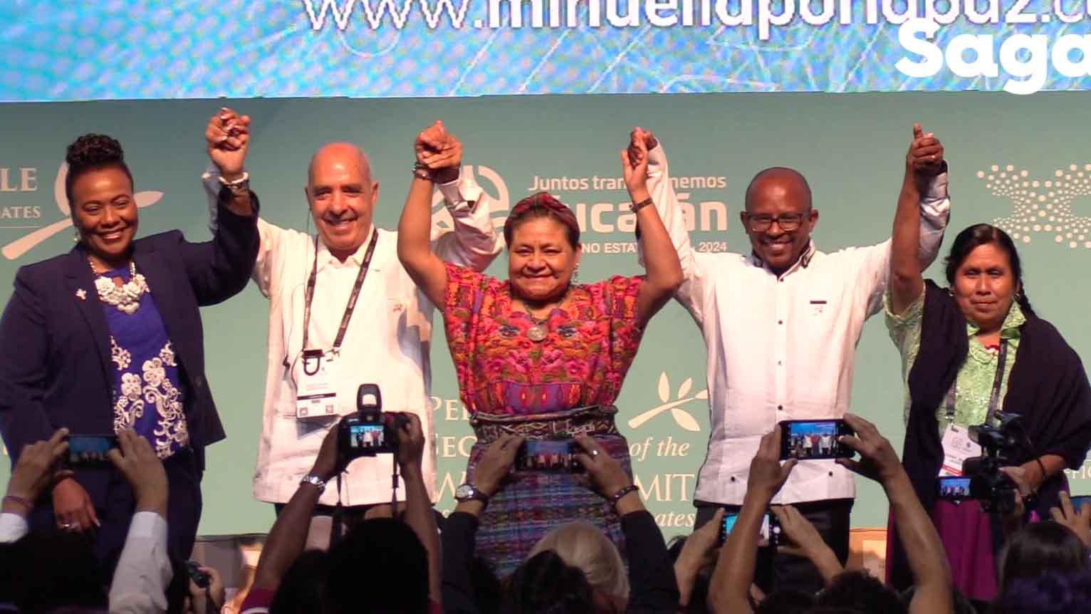 cumbre de los premios de la paz.jpg