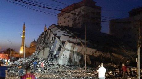 derrumbe edificio franja de gaza bombardeo.jpg