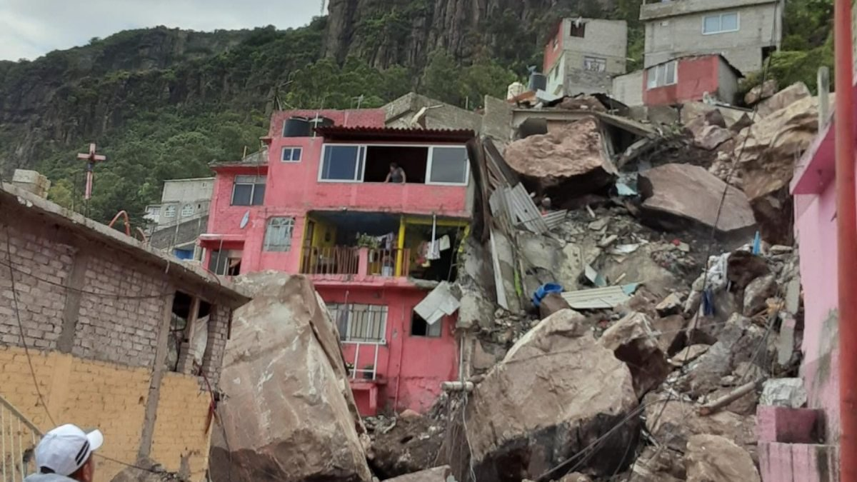 desgaje cerro del chiquihuitetlalneEdoMexdelmazo.jpg