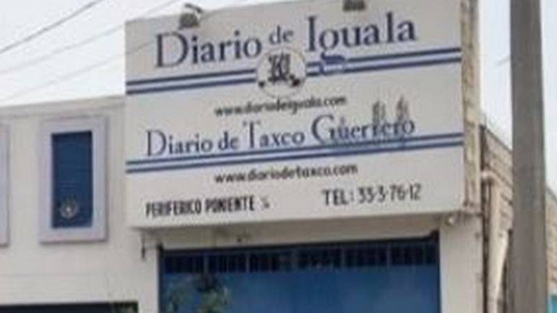 La Saga   Balean instalaciones del Diario de Iguala