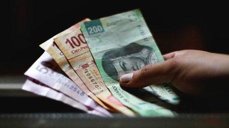 dinero-pesos-billetes-reuters-640x360.jpg