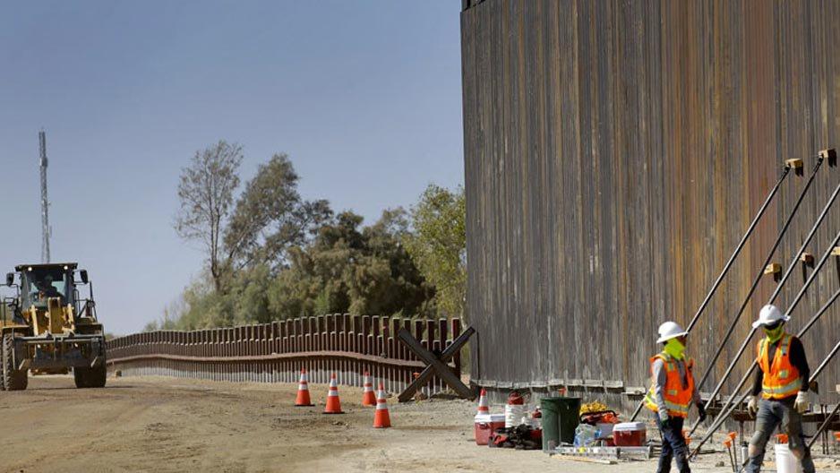 el-coso-del-muro-de-la-frontera-con-México.jpg