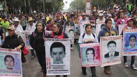 el mochomo ayotzinapa.jpg
