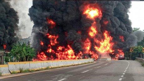 explosión de pipa.jpg