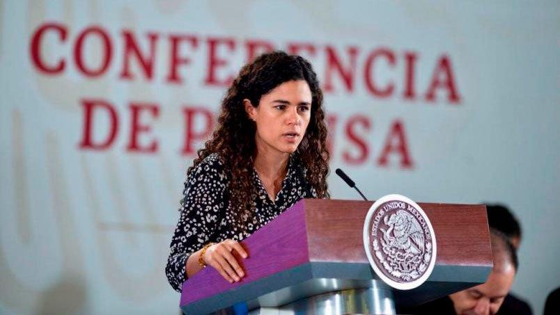 luisa-maria-alcalde-en-conferencia-de-prensa.jpg