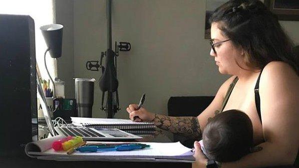 maestro prohíbe amamatar a su bebé .jpg