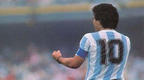 maradona10.jpg