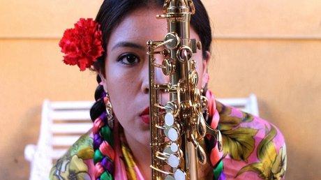 maria elena saxofonista.jpg