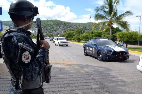 policias-federales-2-iguala_0.jpg