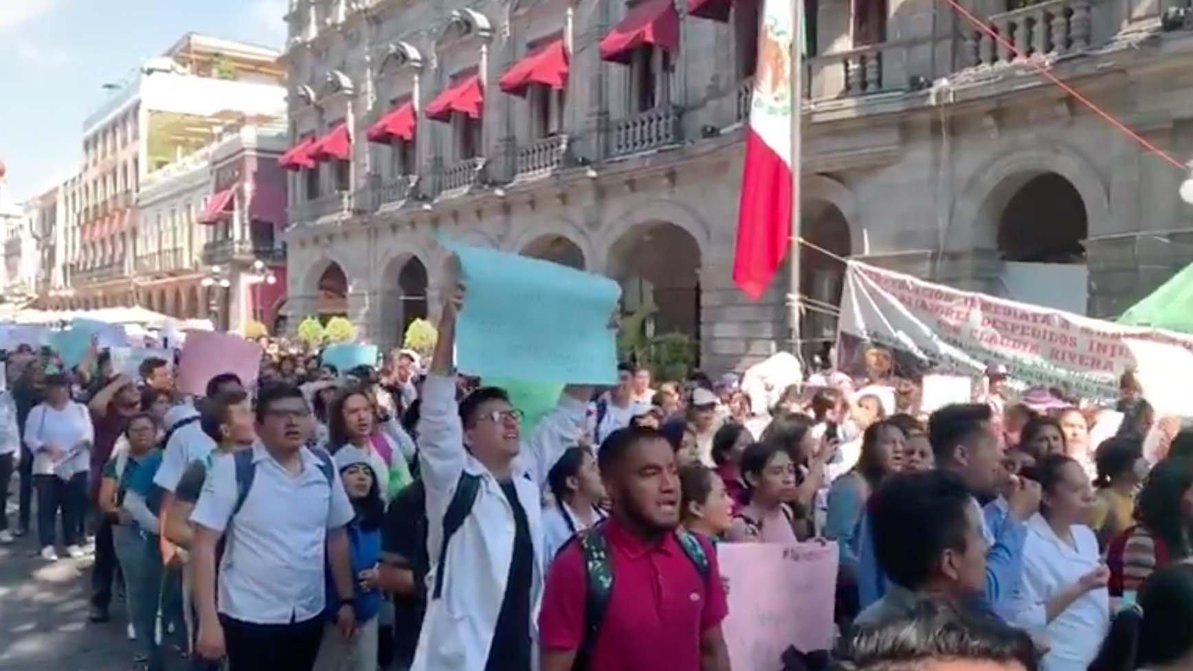 protesta de estudiantes en puebla.jpg