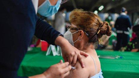 vacunación mujeres embaraadas.jpg