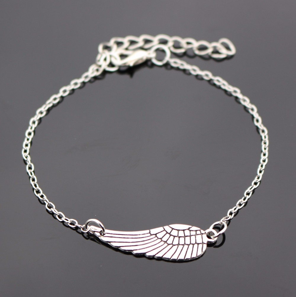 L182 Bijoux New Punk Gothic Vintage Angel Wings Feather Bracelet Bangle For Women Charm Chain Jewelry Girl Gift mujer pulseras-Bijoux-New-2016-Love-Vintage-Silver-Plated-Wing-Bracelet-Bangle-For-Women-Charm-Jewelry-Girl-Gift.jpg
