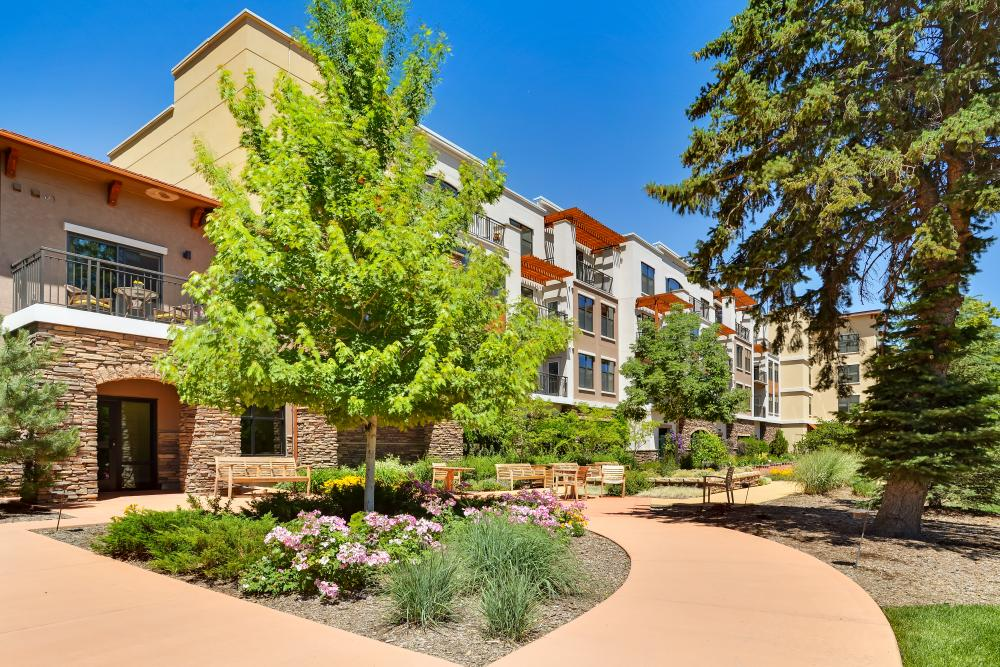 Exterior View - The Carillon at Boulder Creek Senior Living