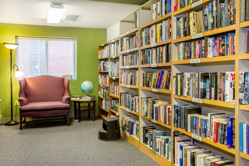 Library - Washington Oakes Retirement Community