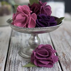 DIY Carnation Made in Felt