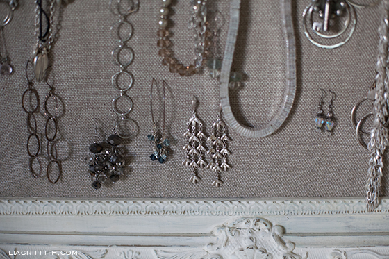 JewelryFrameLinenDetail