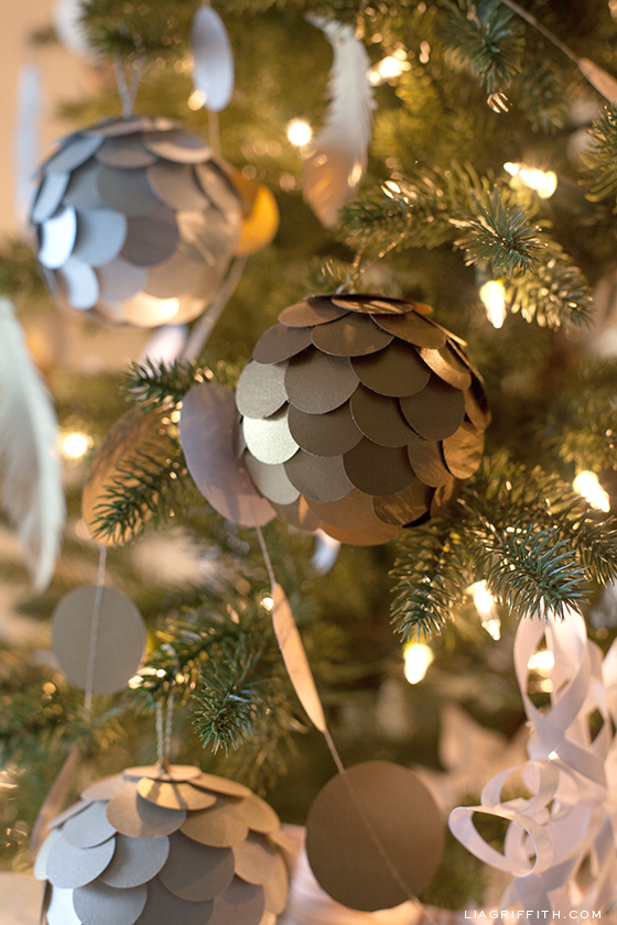 DIY Metallic Paper Ornament for Your Christmas Tree