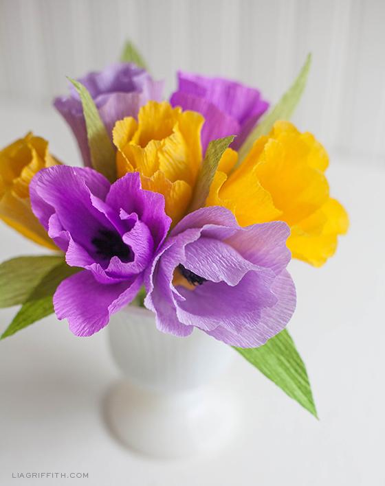 DIY-Crepe-Paper-Tulips