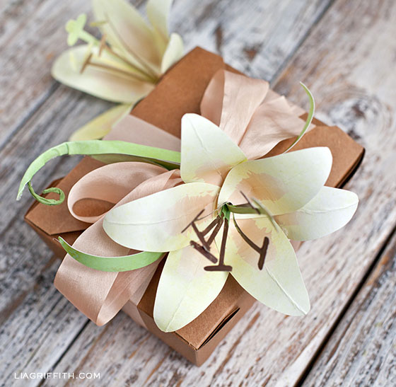 Paper Lily Gift Topper Idea
