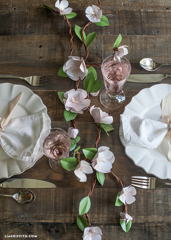 DIY_Paper_Apple_Blossom_Centerpiece
