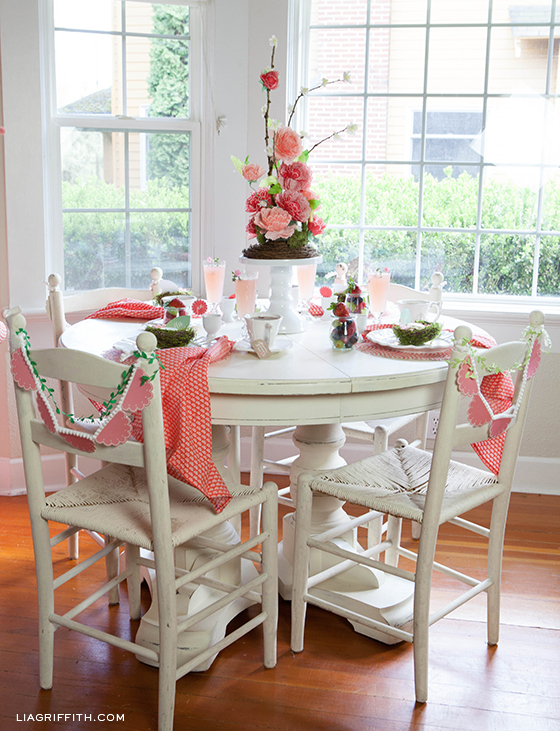 Mother's-Day-Brunch-Table