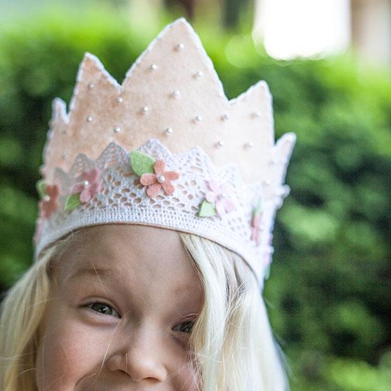 diy felt and lace princess crown