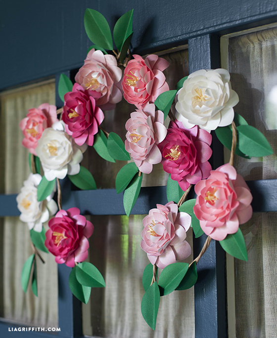 DIY paper flower wreath for spring and summer