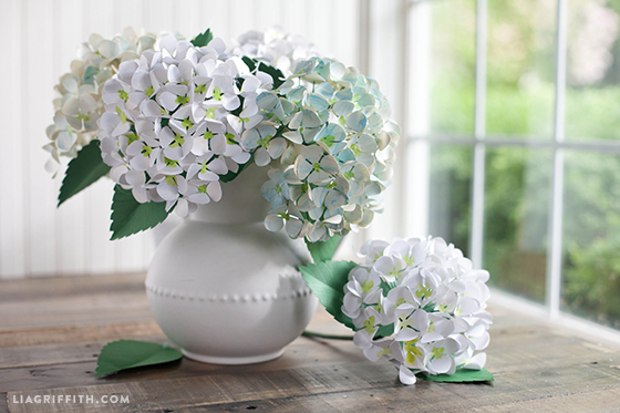 paper hydrangeas Hydrangeas are my favorite summer flower, so i will definitely be making some of these since the coloration is painted on (and they're made out of paper), it would be just as easy to use a.