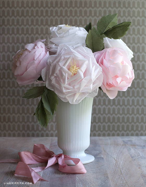 Bouquet_Tissue_Paper_Roses_DIY