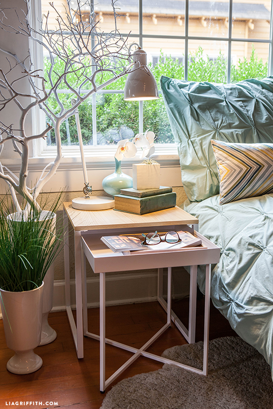 Bedside_Nesting_Table