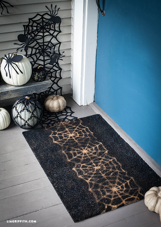 DIY_Halloween_Door_Mat