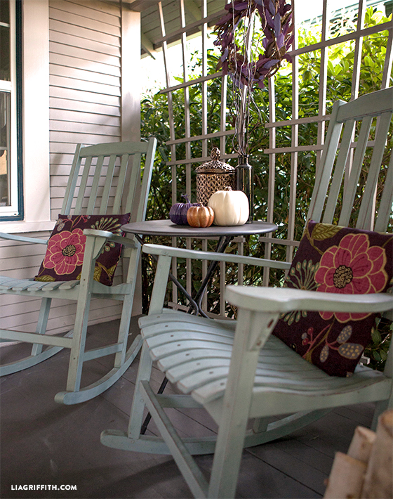 Rocking_Chairs_fall_porch