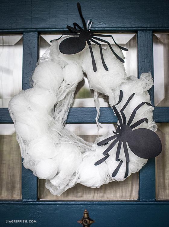 Spider_Web_Door_Wreath