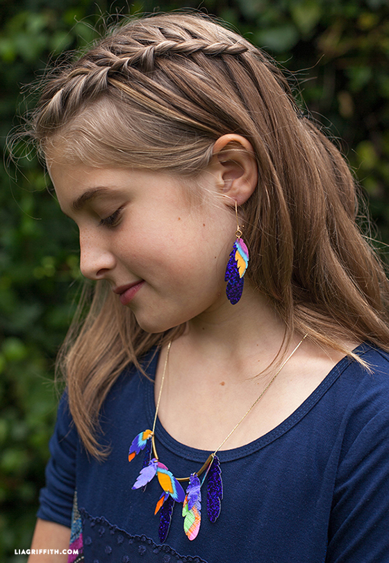 Duck_Tape_Feather_Jewelry